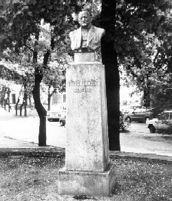 Eötvös Károly mellszobra Balatonfüreden